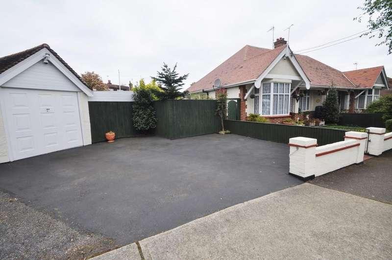 2 Bedrooms Semi Detached Bungalow for sale in Beresford Gardens, Benfleet