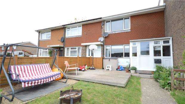 2 Bedrooms Terraced House for sale in Sandy Hill Road, Farnham, Surrey