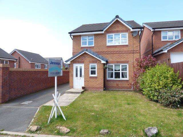 3 Bedrooms Detached House for sale in Greenshank Close, Heysham, LA3 2DP