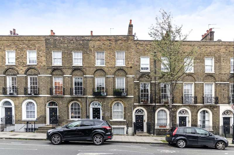 1 Bedroom Flat for sale in Amwell Street, Finsbury, EC1R