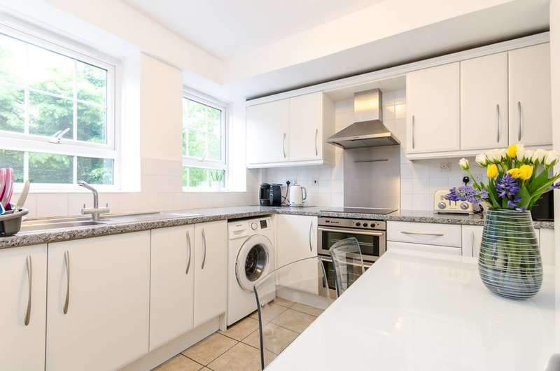 3 Bedrooms Flat for sale in George Row, Bermondsey, SE16