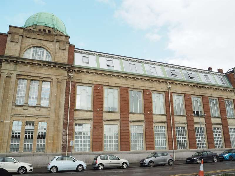 2 Bedrooms Apartment Flat for sale in Clarence Place, Newport