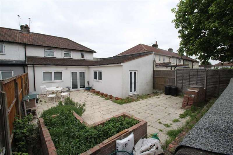 4 Bedrooms Property for sale in Stanhope Road, Greenford, Middlesex