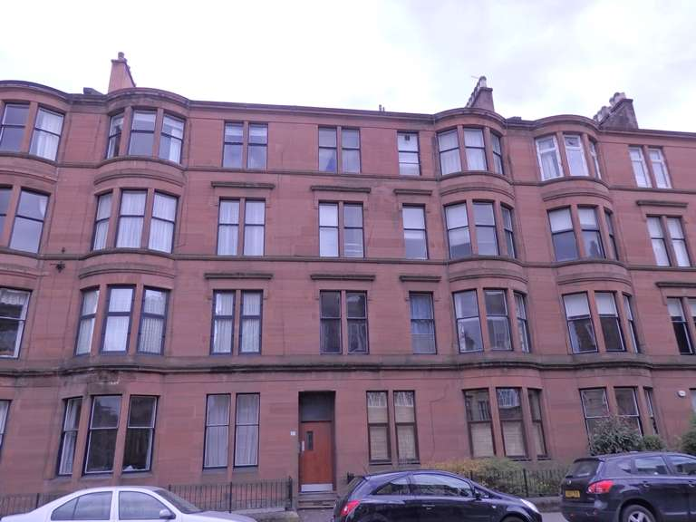 2 Bedrooms Flat for rent in Highburgh Road, Hillhead, Glasgow