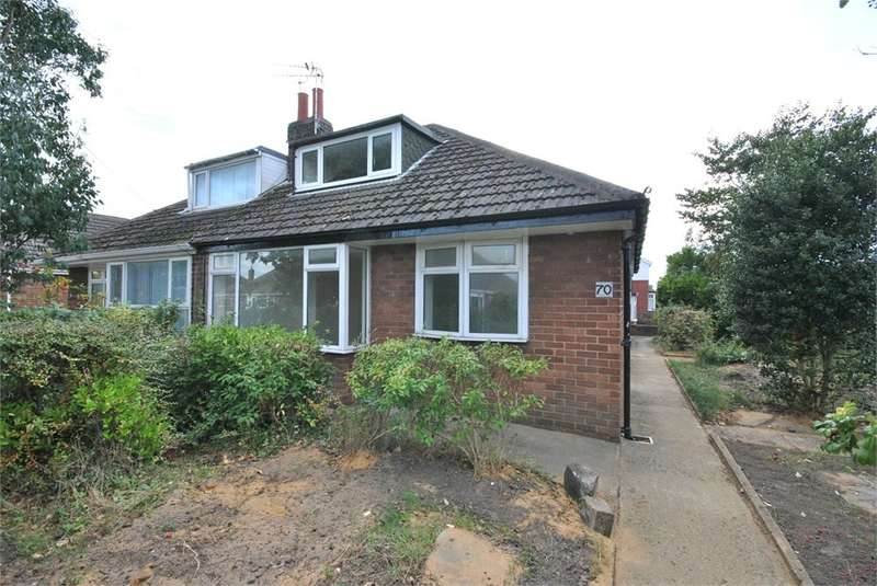 3 Bedrooms Semi Detached Bungalow for rent in Rossendale Road, Lytham St Annes, FY8