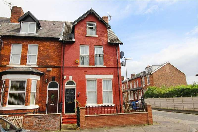 4 Bedrooms House Share for rent in Longford Place, Manchester