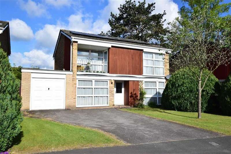 4 Bedrooms Detached House for sale in Woodford Close, Caversham Heights, Reading