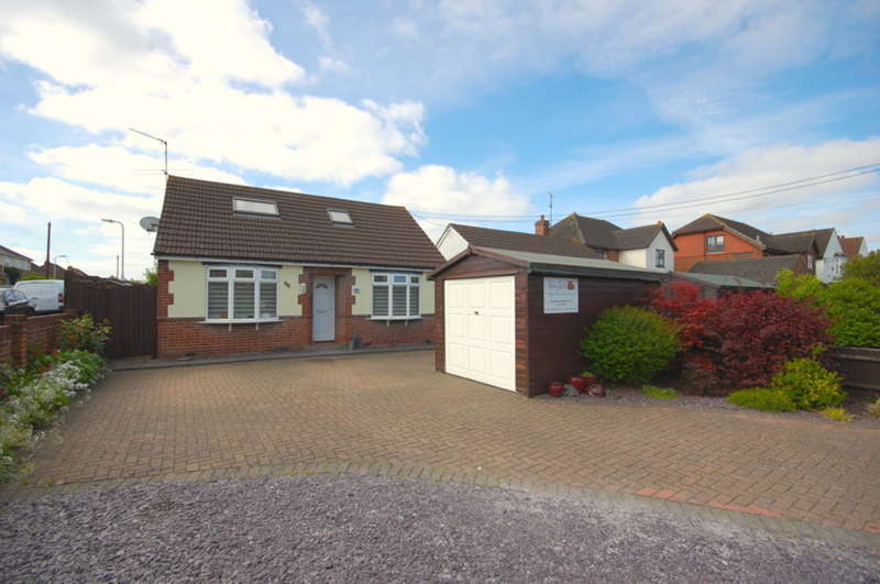 4 Bedrooms Detached Bungalow for sale in Maldon Road, Chelmsford, CM2