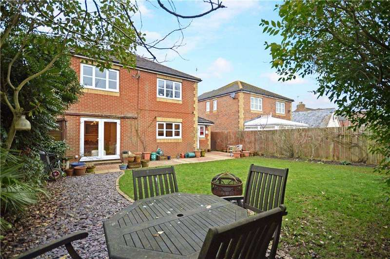 4 Bedrooms Detached House for sale in Burton Road, Kennington, Ashford, Kent