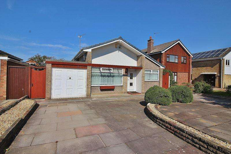 2 Bedrooms Detached Bungalow for sale in Gleneagles Drive, Ainsdale