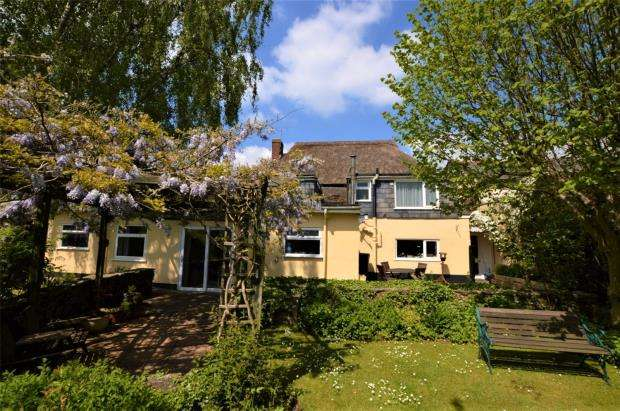 4 Bedrooms Link Detached House for sale in Copplestone, Crediton, Devon