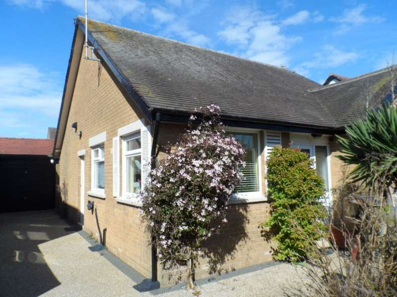 2 Bedrooms Bungalow for sale in Clarence Avenue, Thornton Cleveleys, FY5 2BG