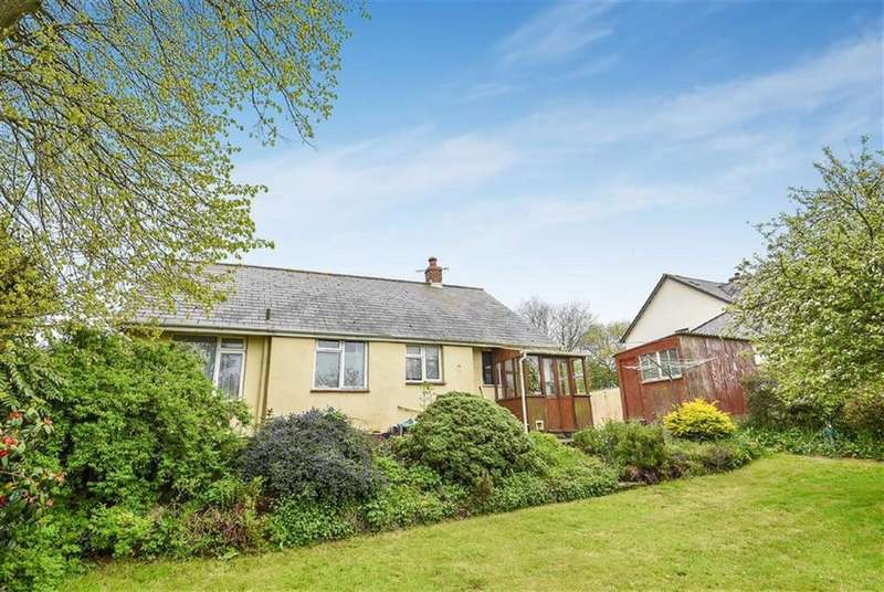 3 Bedrooms Bungalow for sale in Crockernwell, Exeter, Devon, EX6