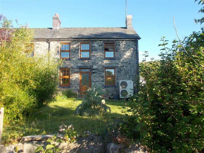 4 Bedrooms Semi Detached House for sale in Maesyfelin, Llanddewi Brefi, Tregaron, Ceredigion