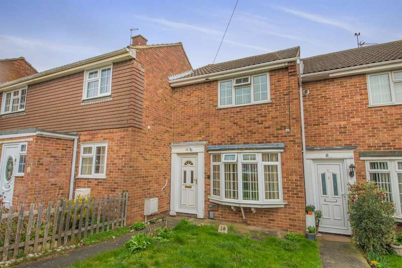 2 Bedrooms Terraced House for sale in Wells Road, Rochester