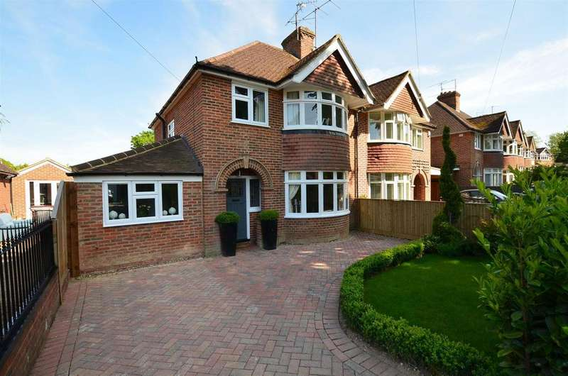 4 Bedrooms Semi Detached House for sale in Baydon Drive, Reading