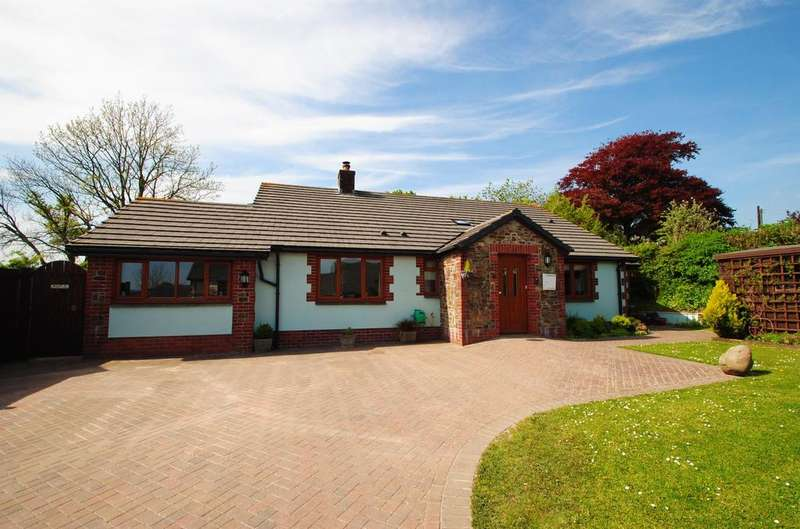 4 Bedrooms Bungalow for sale in Marshalls Mead, Beaford