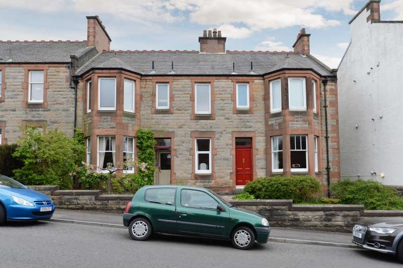 2 Bedrooms Flat for sale in Victoria Terrace, Dunfermline, Fife, KY12 0LU