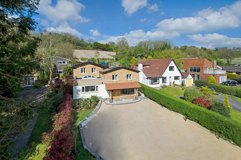4 Bedrooms Detached House for sale in Horndean, Hampshire