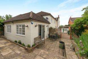5 Bedrooms Link Detached House for sale in The Street, Boughton-Under-Blean, Faversham, .