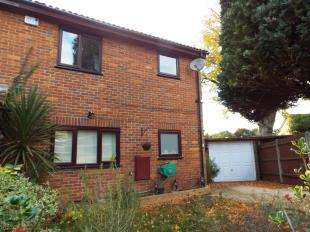 4 Bedrooms Semi Detached House for sale in Tindale Close, Sanderstead, South Croydon