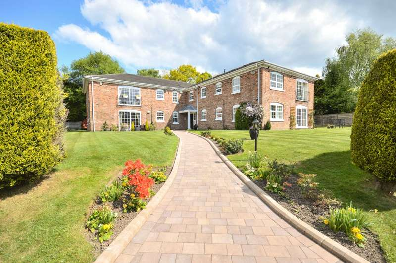 2 Bedrooms Apartment Flat for sale in HILTON ROAD, Bramhall
