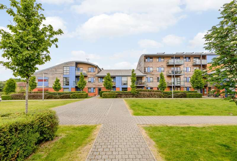 2 Bedrooms Flat for sale in Chertsey