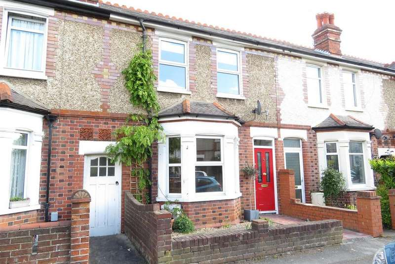 3 Bedrooms Terraced House for sale in Brisbane Road, Reading