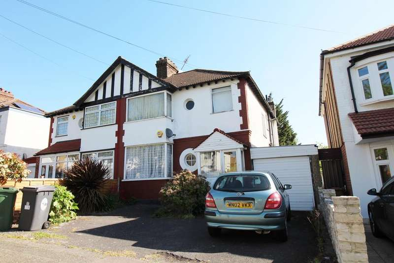 4 Bedrooms Semi Detached House for sale in Dale View Avenue, Chingford E4