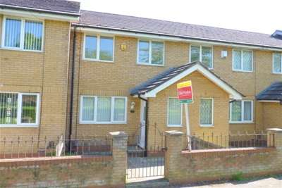 3 Bedrooms House for rent in Houghton Road, Upton