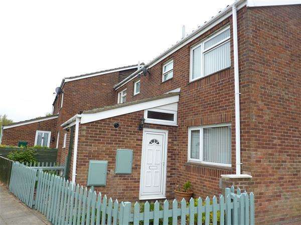 3 Bedrooms End Of Terrace House for sale in MATLOCK DRIVE, GRIMSBY