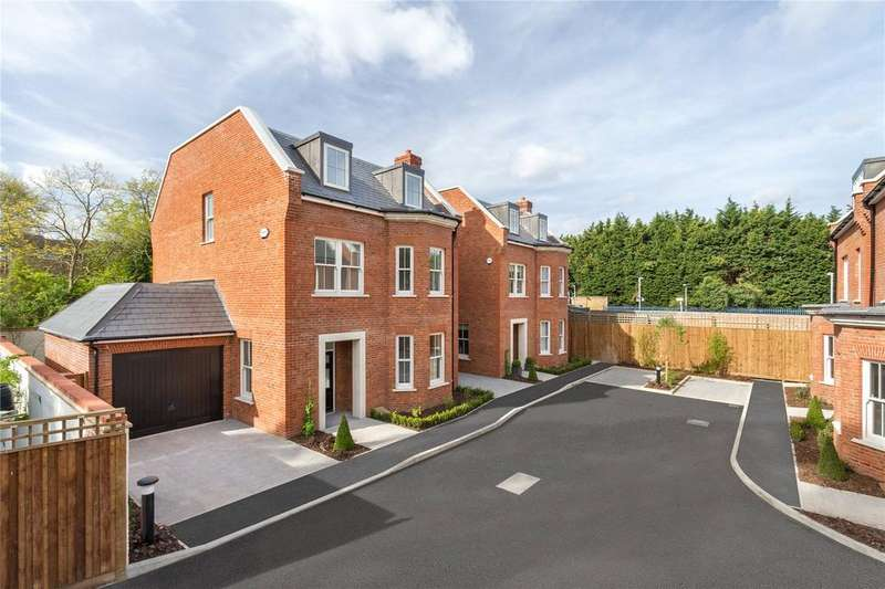 5 Bedrooms Detached House for sale in Copers Cope Road, Beckenham, BR3