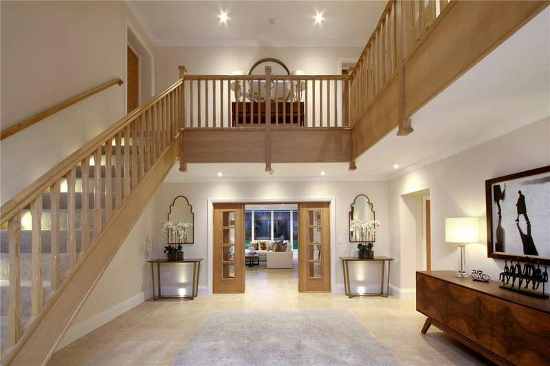 6 Bedrooms Detached House for sale in Larch Avenue, Sunninghill, Ascot, Berkshire