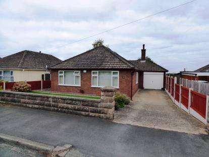 3 Bedrooms Bungalow for sale in Penlan Drive, Hawarden, Deeside, Flintshire, CH5