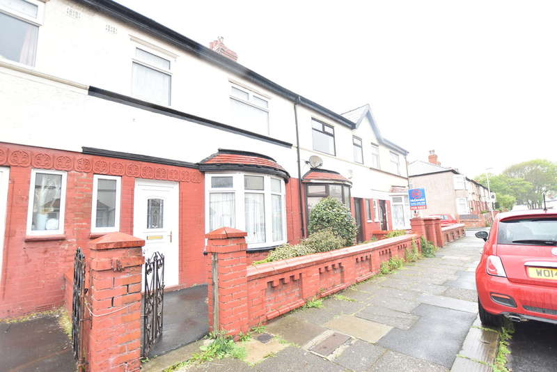3 Bedrooms Terraced House for sale in Airedale Avenue, Blackpool
