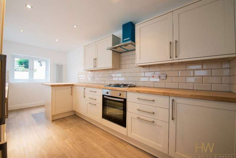 3 Bedrooms Detached House for sale in Cromwell Street, Hanover, Brighton, BN2 9XN
