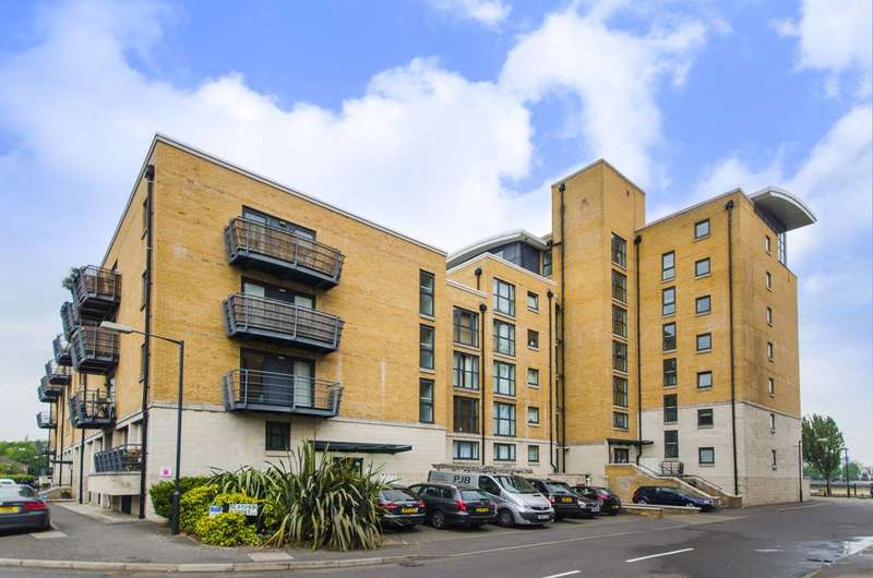 2 Bedrooms Flat for sale in Glaisher Street, Greenwich, SE8