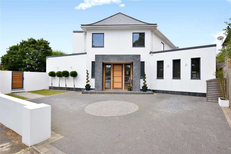 5 Bedrooms Detached House for sale in Radinden Manor Road, Hove, East Sussex, BN3
