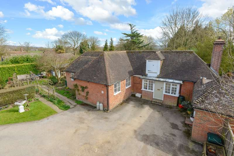 4 Bedrooms Cottage House for sale in Faversham Road, Boughton Lees, Ashford TN25