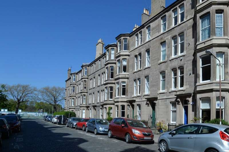 1 Bedroom Flat for sale in Comely Bank Place, Comely Bank, Edinburgh, EH4 1DT
