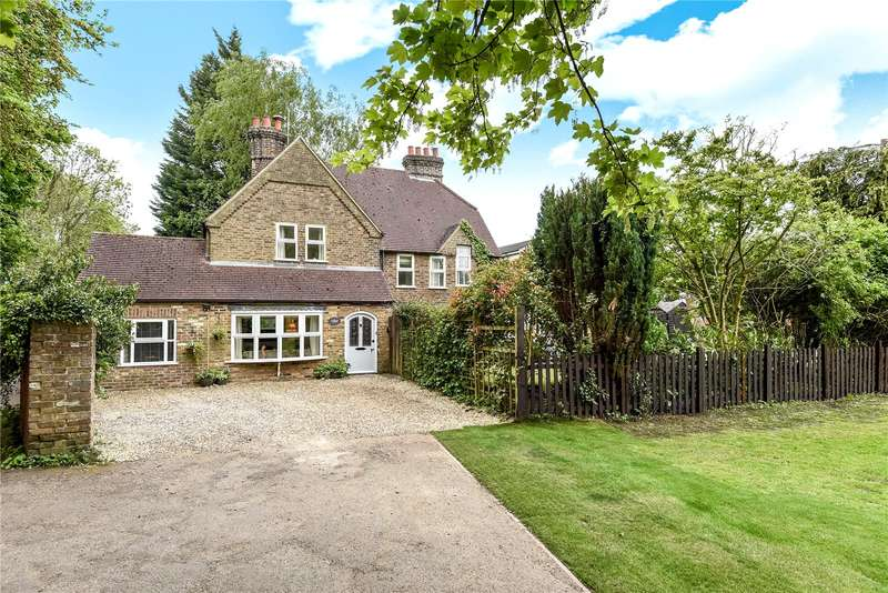3 Bedrooms Semi Detached House for sale in Park Road, Rickmansworth, Hertfordshire, WD3