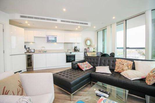 1 Bedroom Apartment Flat for sale in Ontario Point, Maple Quays, Canada Water, SE16