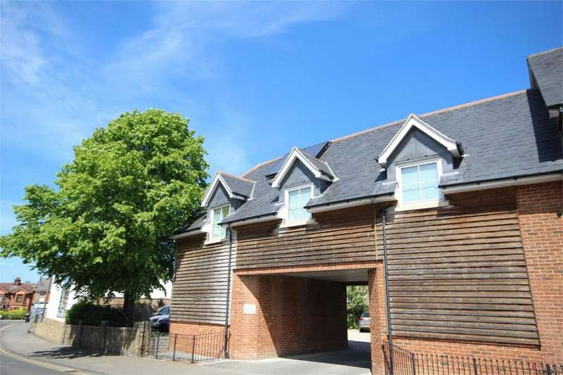 2 Bedrooms Flat for sale in Sandford Court ECO Homes, Sandford Rd, CHELM., Essex