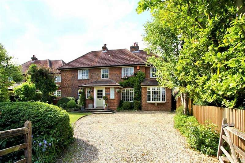 5 Bedrooms Detached House for sale in Oakfields Road, Knebworth