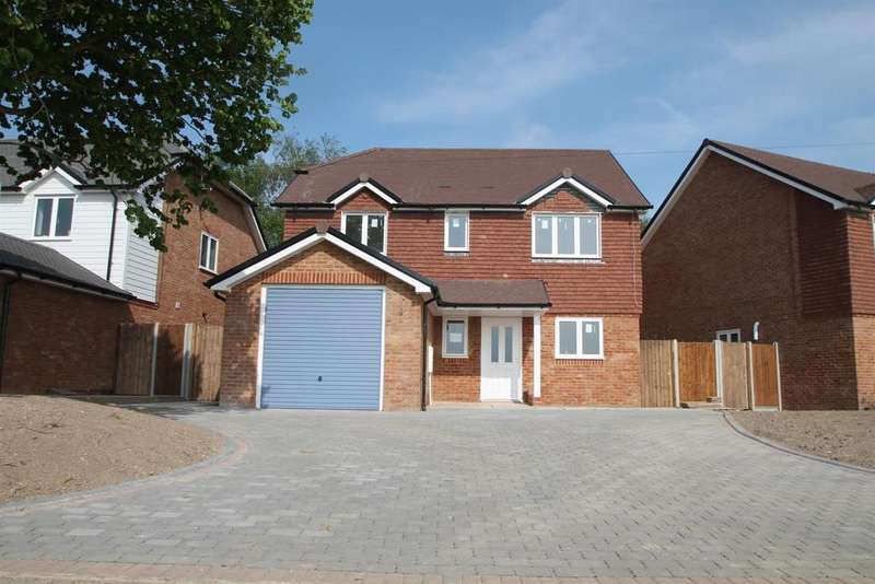4 Bedrooms Detached House for sale in OPEN DAY THE LAVENDERS Kenward Road, Yalding