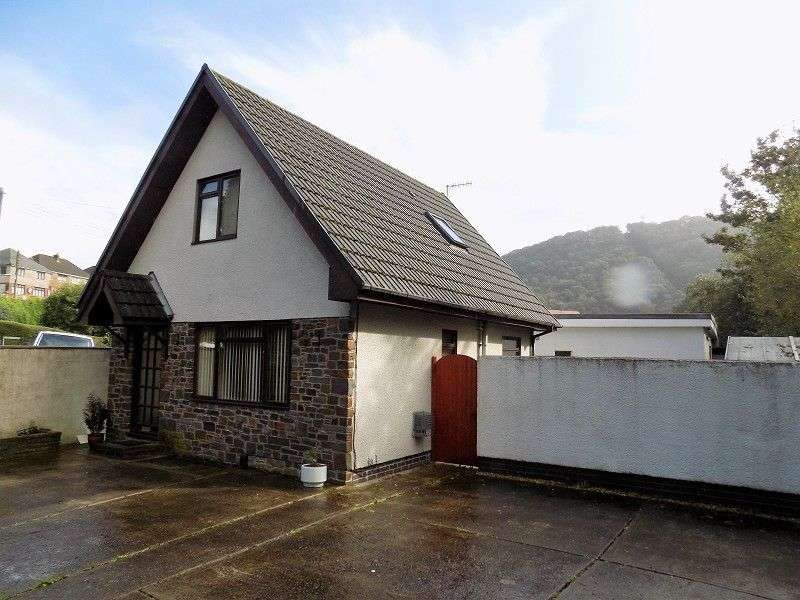 2 Bedrooms Detached House for sale in Park Street, Tonna, Neath, Neath Port Talbot. SA11
