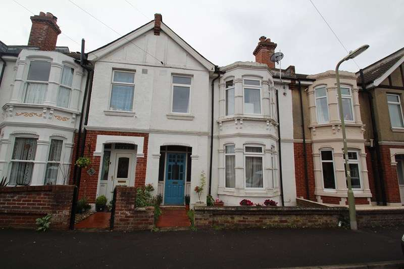 4 Bedrooms Property for sale in St. Andrews Road, Gosport