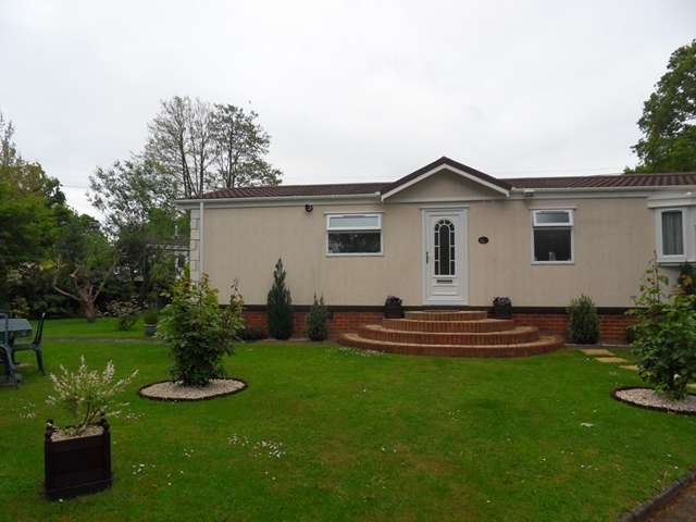 2 Bedrooms Park Home Mobile Home for sale in Forest Way, Warfield Park, Warfield