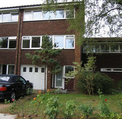 4 Bedrooms Town House for sale in 4 Bedroom town house prime location TW10