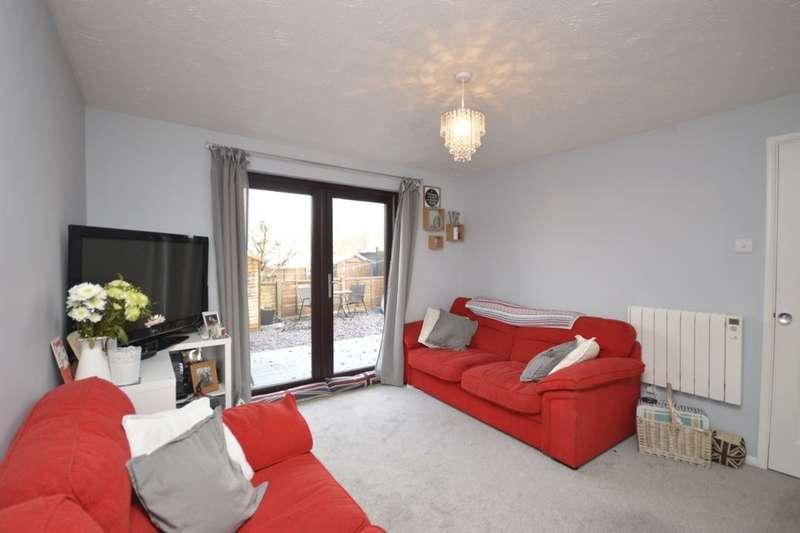 1 Bedroom Flat for sale in Tylersfield, Abbots Langley, WD5